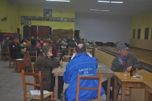 Campeonato Municipal de Canastra de Casais iniciou essa semana
