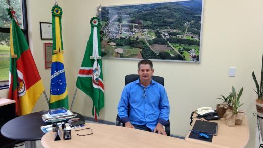 Vice-prefeito Cristiano Nienov assume a Prefeitura por 15 dias