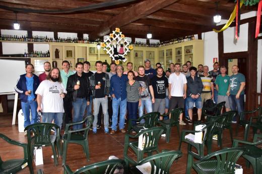 1º Curso de Cerveja Artesanal Caseira tem participação de 26 alunos