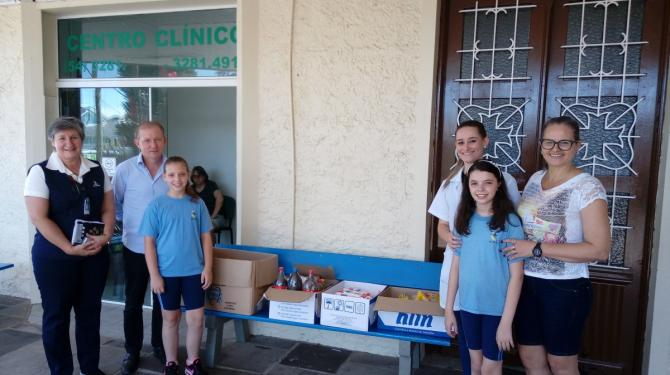 Doações arrecadadas no Natal Comunitário são entregues ao Hospital Nova Petrópolis