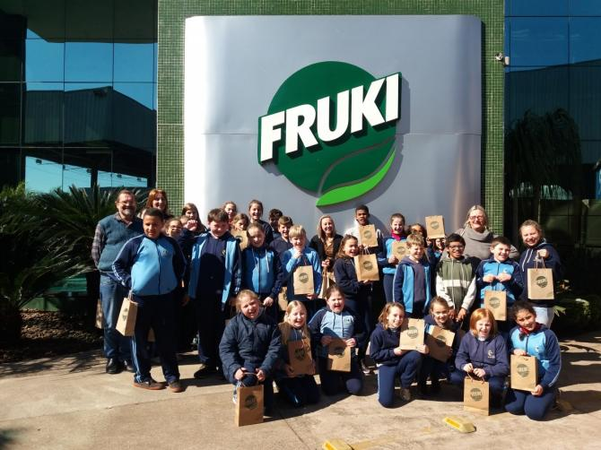 EMEFTI realiza saída de campo para empresa Fruki